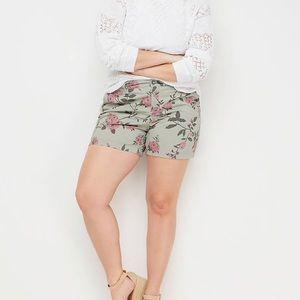 ☀️Lane Bryant Rose Print Girlfriend Chino Shorts